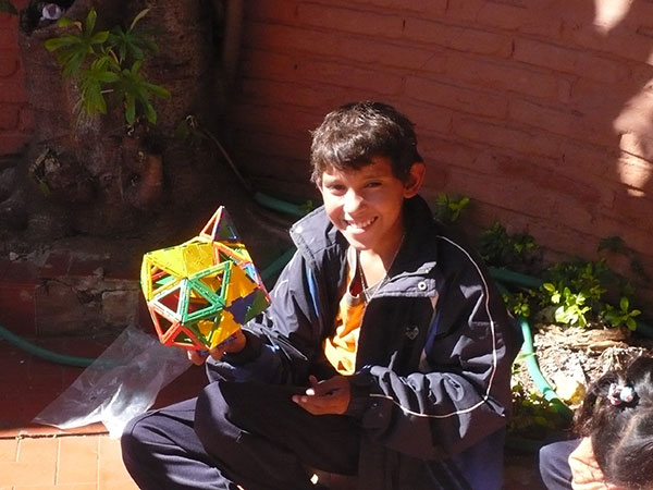 Polydron in Paraguay 1